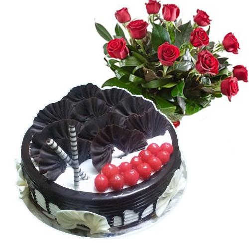 Black Forest Cake 10 Red Roses
