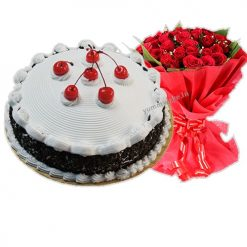 Cake with Red Rose Bunch