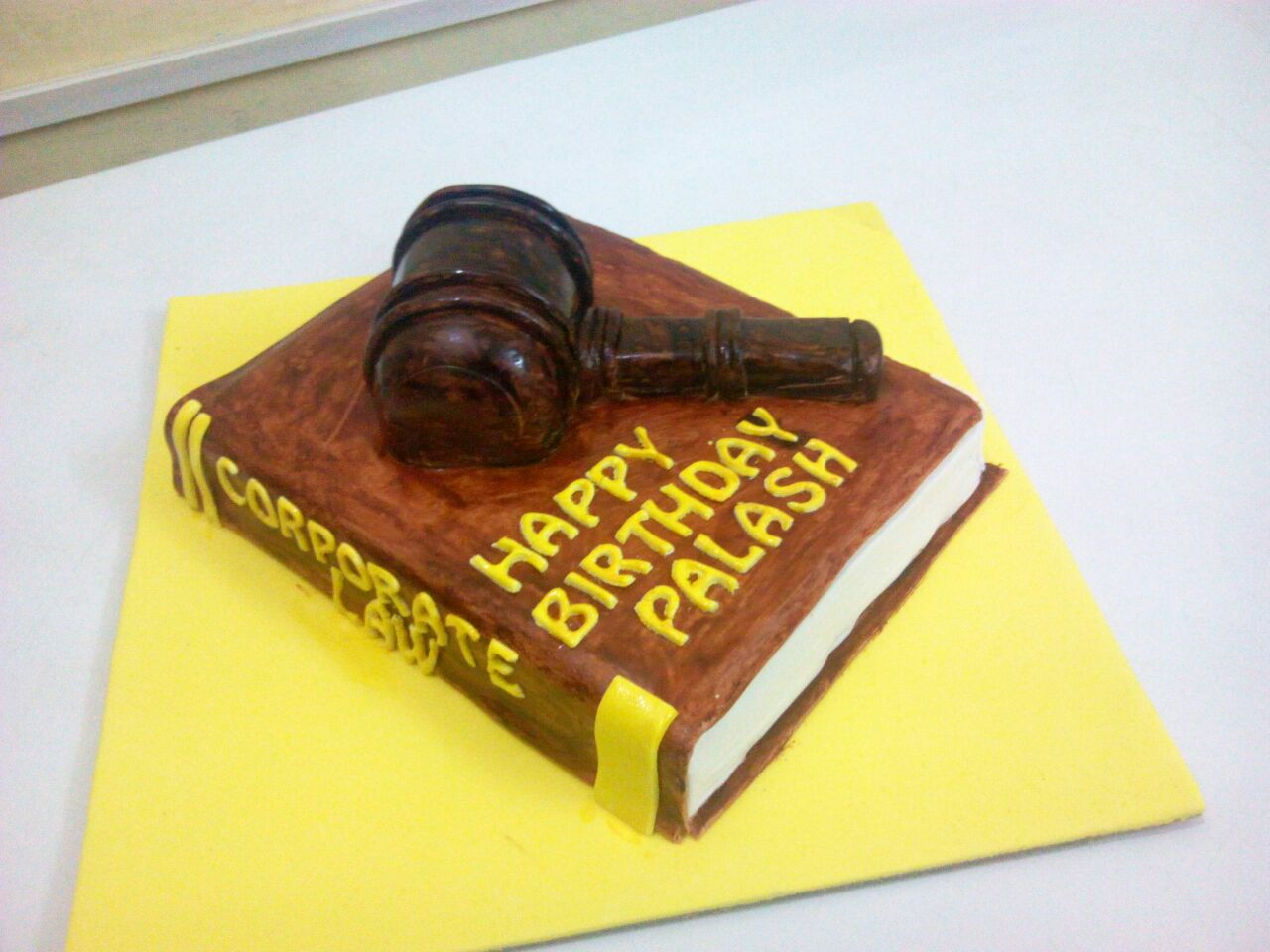 Order Corporate Law Cake Online Unique Design Yummycake