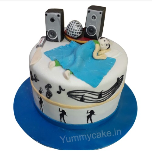 Remarkable Custom Birthday Cakes Online Free Home Delivery Yummycake Funny Birthday Cards Online Alyptdamsfinfo