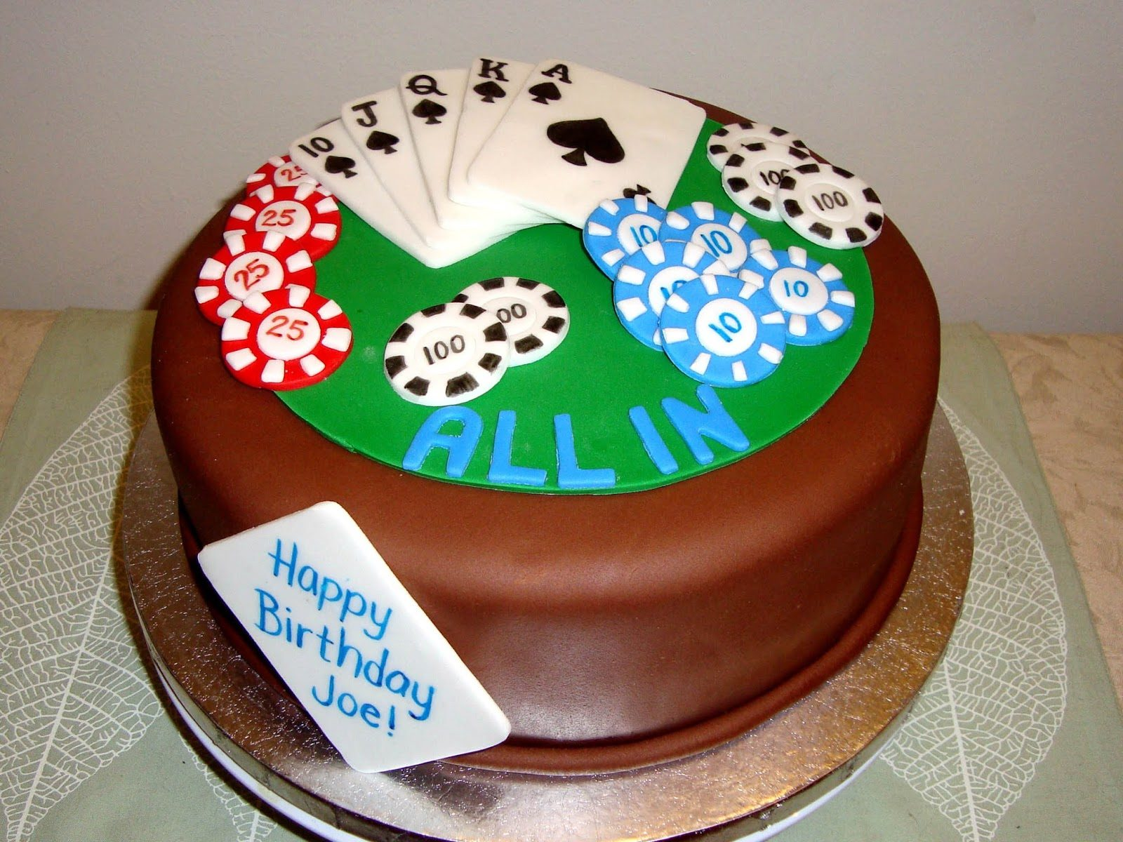 cake for a poker fan