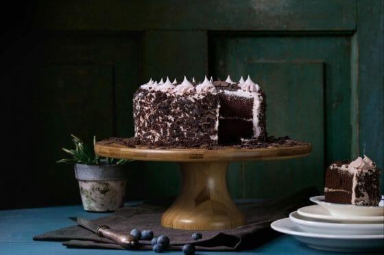Choosing Between Buttercream Cake And Fondant Cake