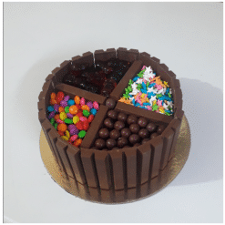 Chocolate Cake With KitKat